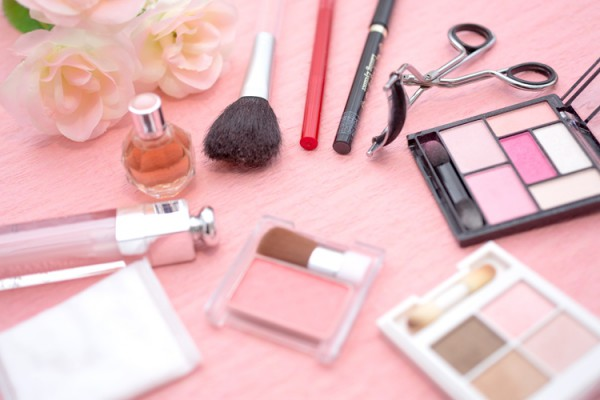 就活に必要な新しい化粧品