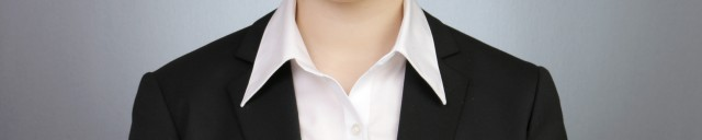 証明写真の襟元は美しく|三宮ココロスタジオ